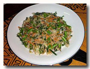 ウラプ・ウラプ 野菜のココナッツ和え プレート