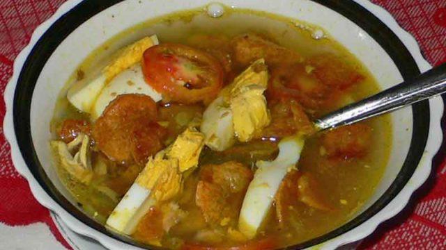 ソト・アヤム soto ayam [鶏肉の具だくさんスープ]