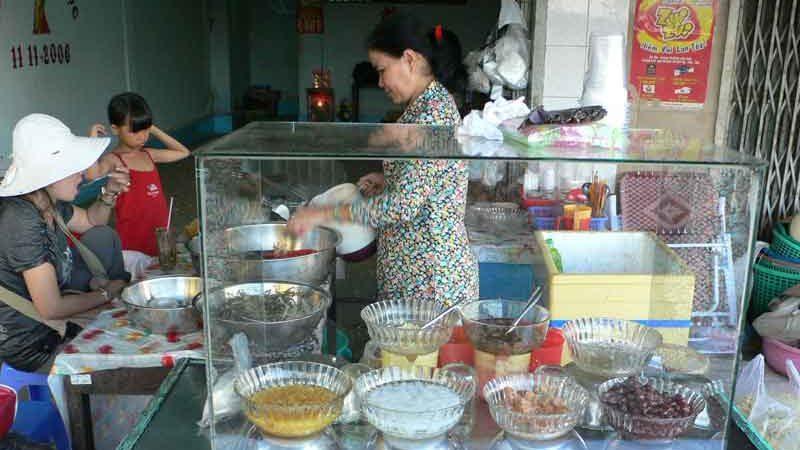 チェーのお店の店員さん ベトナム