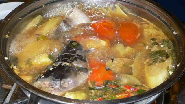 ラウ・カ・バサ Lẩu cá BASA nấu ngọt [バサフィッシュの甘い鍋]