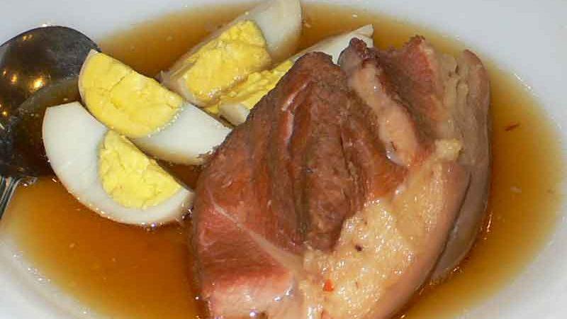 ティット・コー・ヌック・ドゥアthịt kho nước dừa [豚肉のココナッツジュース煮]