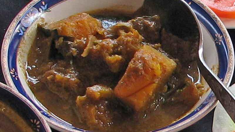 エラワル・ウィヤンジャナヤ elawalu vyanjana [野菜のスパイス煮]