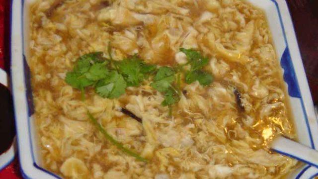 三鮮酸辣湯 [海鮮サンラータン:三種の魚介入 酸っぱ辛いスープ]
