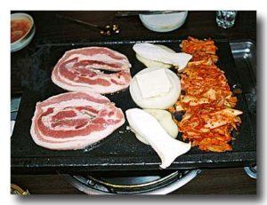 サムギョプサル 豚の三枚肉の焼き肉 餅つつみの店