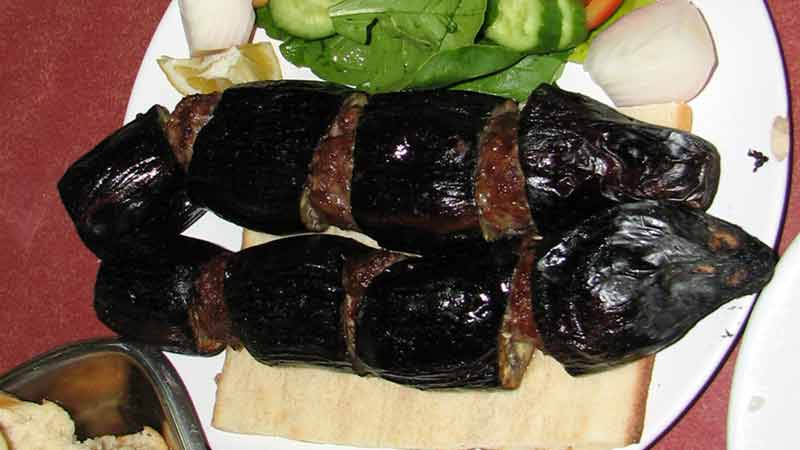 パトゥルジャン・ケバブ 茄子と挽肉の串焼き定食