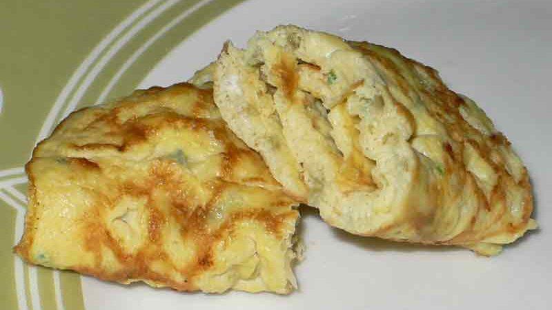 テロール・ダダール telur dadar [卵焼き]