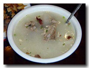 アヒルの骨のスープ