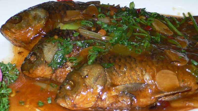 酱燜鲫魚 jiang men ji yu [フナの醤油煮]