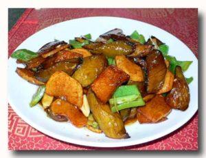 地三鮮 ピーマン、ジャガイモ、茄子の角切り炒め