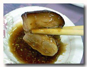 萬巒猪脚 豚足の醤油煮込みのたれづけ