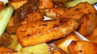 鮮筍醤炒肉 xiān sǔn jiàng chǎo ròu [筍と豚肉の炒め物]