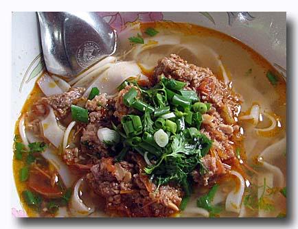 カオ・ソーイ そぼろ味噌かけ麺
