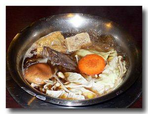 紅焼羊肉爐:醤油系の羊鍋。