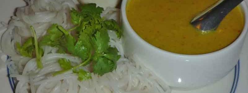 カノムチン・ナム・ヤー・プラ ขนมจีนน้ำยาปลา [魚カレー汁素麺]