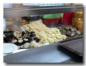蛋巻 卵入り腸粉などの蒸し点心