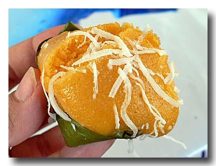 カノム・ターン パン椰子の蒸しケーキ