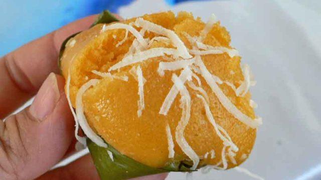 カノム・ターンขนมตาล [パン椰子の蒸しケーキ]