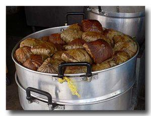 バチャン 肉粽/ちまき 蒸しているところ