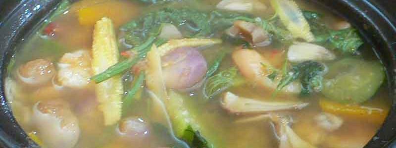 ゲーン・リアン แกงเลียง [具だくさんスパイシー野菜スープ]