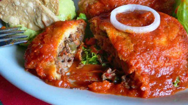 チレス・レジェノス chiles rellenos [唐辛子の肉詰め]