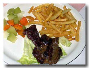 カルネ・ア・ラ・プランチャ 肉の鉄板焼き ステーキ