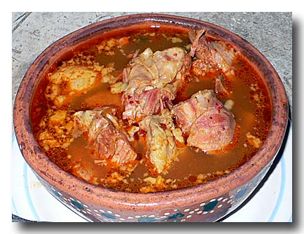 モーレ・デ・オジャ 肉と野菜のスパイシー土鍋煮込み
