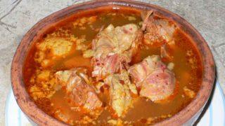 モーレ・デ・オジャ mole de olla [肉と野菜の土鍋煮]