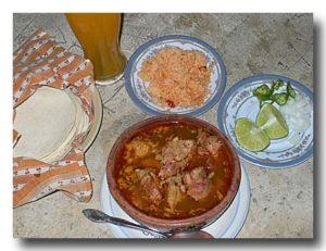 モーレ・デ・オジャ 肉と野菜のスパイシー土鍋煮込み のセットメニュー