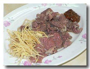白片羊肉 茹でた羊のバラ肉皿全体