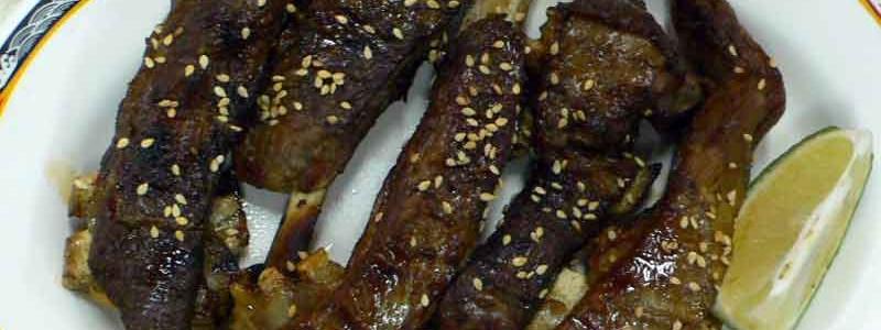 碳烤羊排 tàn kǎo yáng pái [羊スペアリブの炭火焼き]