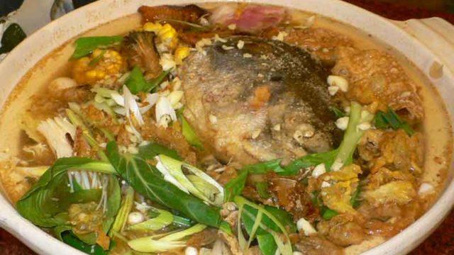 砂鍋鮭魚頭 shā guō guī yú tóu [鮭の頭鍋]