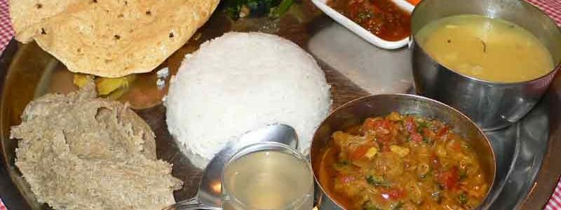ダルバードタルカリ ネパールの定食