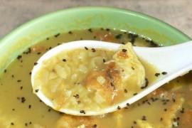 クワティ 豆と干し飯のスープ