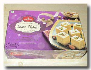 ハルディラムのソーン・パプディの箱 フレークキャンディ
