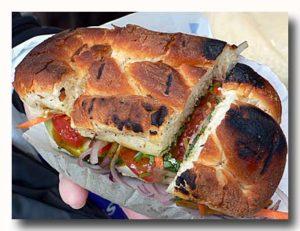 コルカタのエッグスタンドの卵サンドイッチ