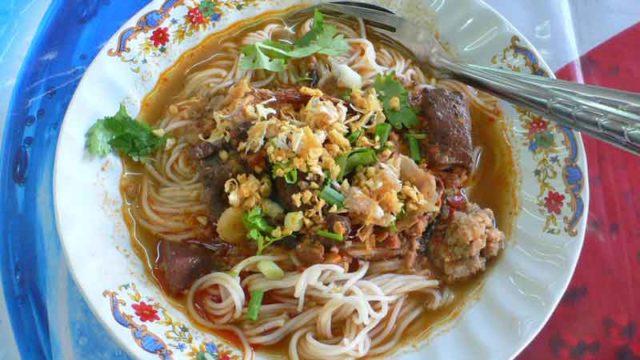 カノムチン・ナムギャオ タイ北部風スープ麺