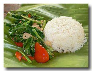 パッカナー カイラン菜の炒め物とご飯