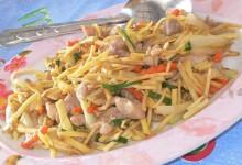 ガイ・パッ・キン 鶏肉と生姜の炒め物