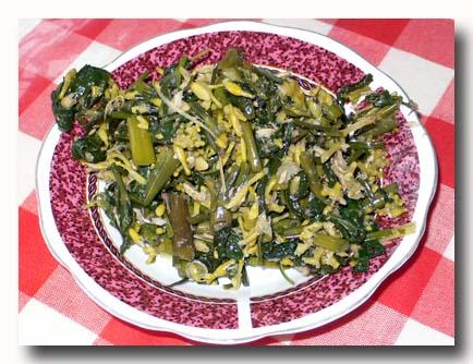 カンクン・ブンガ・ペパヤ 空芯菜とパパイヤの花の和え物