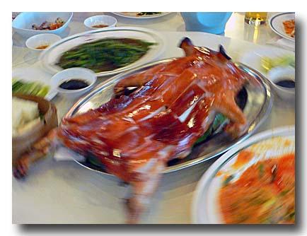 ムーハン 子豚の丸焼き