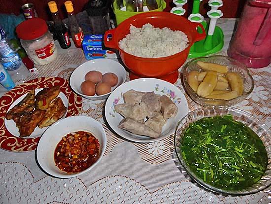 ケイ・クチル島のデリマコテージのご飯