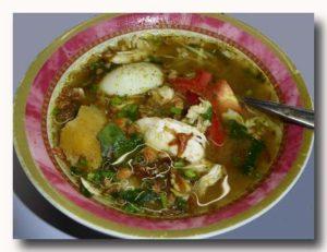 ソト・アヤム 鶏肉スープ