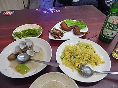 台湾の熱炒で食べた料理