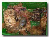 ケピティン・クラパ 籠いっぱいの椰子蟹