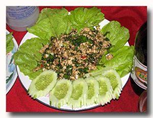 ラープ・ガイ ラオスの鶏そぼろサラダ