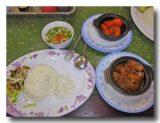 コム・トム・リム海老の甘辛煮定食とコムビットコーグンアヒルの生姜煮定食
