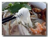 ブン・ヌック・レオ クメール風汁麺 麺アップ