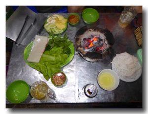 ベトナムの焼き肉セット 炭火焼き