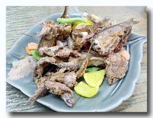 香酥渓魚(渓哥)オイカワの唐揚げ