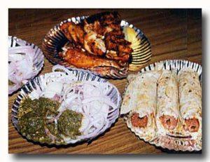 デリーの住宅街にあるタンドール料理屋さんの鶏とシークケバブ